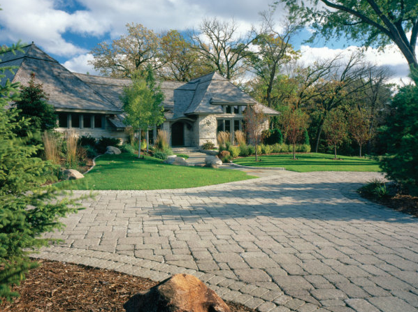 Refresh Your Home with Pavestone Pavers for Your Entryway